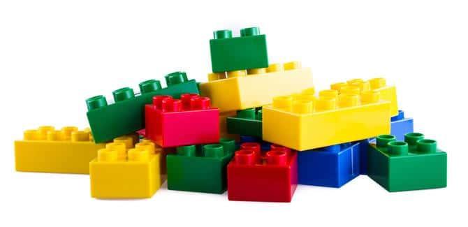 Hoa hoc dang sau tro choi lego